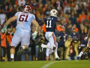 1385858908000-USP-NCAA-Football-Alabama-at-Auburn